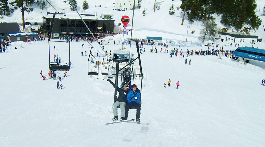 You can be riding the chairlift at Bogus Basin ski resort after only a 40 minute drive from downtown Boise.