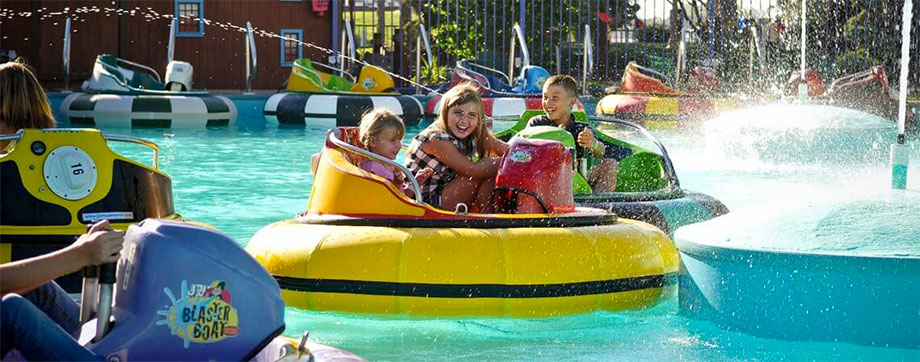 Wahooz is a family-friendly amusement park with video games, go-carts, and bumper boats.