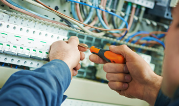 Elite Electrical saves hours tracking employee time and running payroll